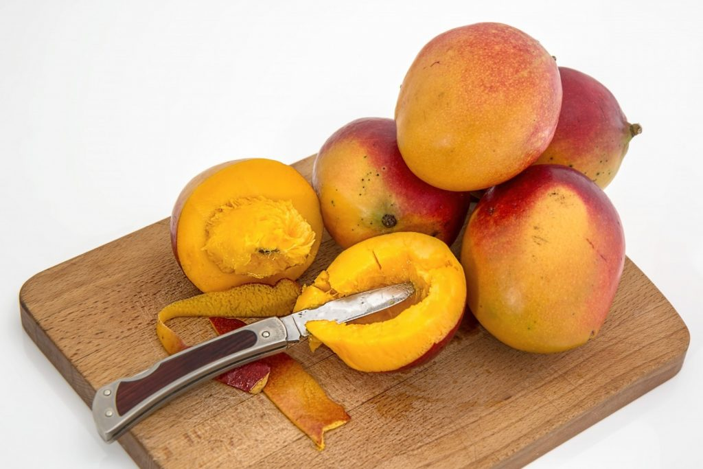 mango-tropical-fruit-juicy-sweet-vitamin-c-healthy